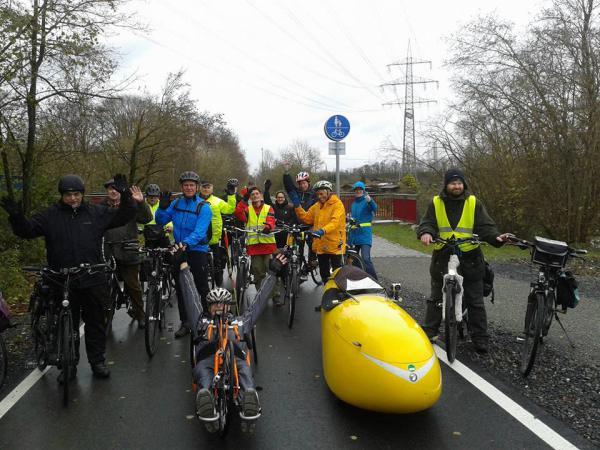 Radtour für einen erfolgreichen Auftakt des Weltklimagipfels in Paris