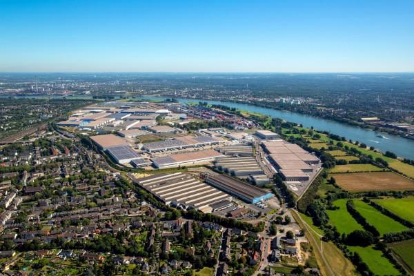 Der Duisburger Hafen ist weltweit die Nummer eins unter den Binnenhäfen der Welt.