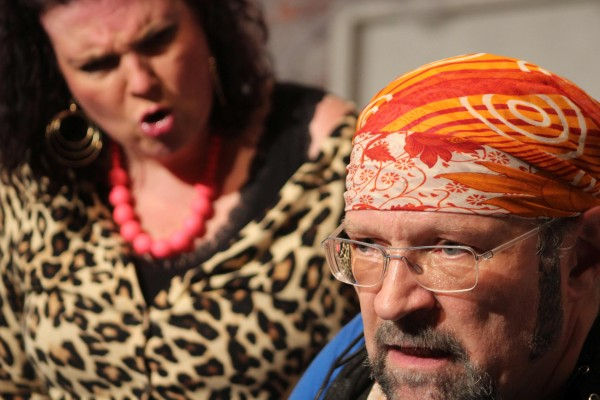 """Erfolgreiche Premiere des TaB-Theaters:  """"Zwei wie Bonny & Clyde"""" brilliert auf der Billebrinkhöhe"""