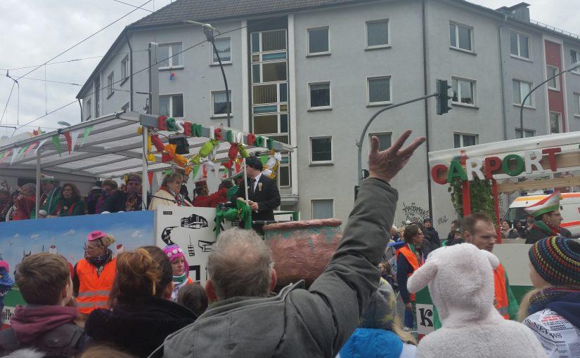 Essen is im Pott – Karneval, drei Kilometer Wegstrecke