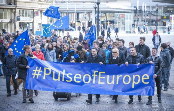 """Videowettbewerb: """"Eure Botschaft für Europa"""" 2017"""