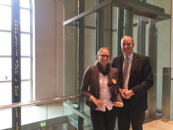 Girls' Day: Matthias Hauer MdB lädt ein Mädchen aus Essen in den Bundestag ein