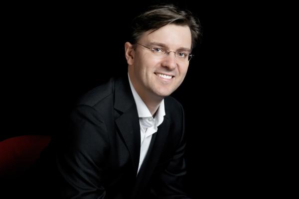 Essener GMD Tomáš Netopil wird ständiger Gastdirigent der Tschechischen Philharmonie